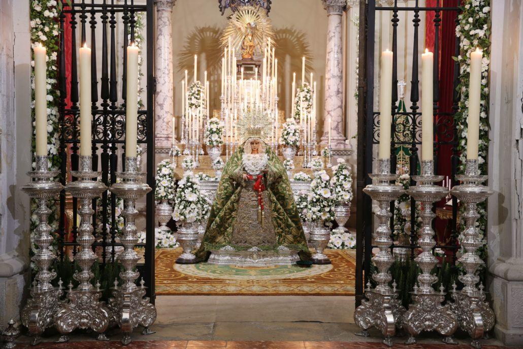 La Virgen de la Esperanza preside su capilla de Santo Domingo