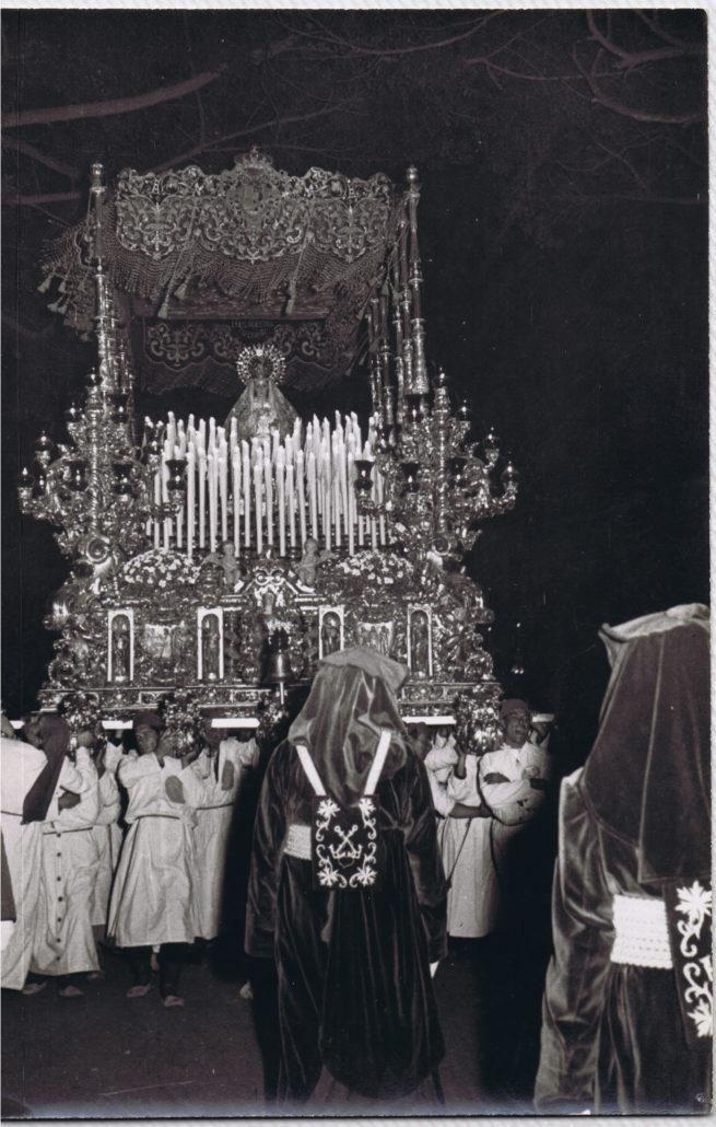 La Virgen en procesión en 1953