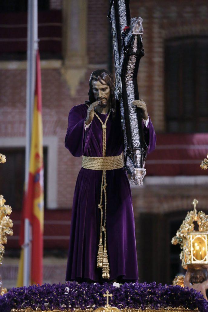 Momento en el que el Nazareno imparte la Bendición durante la procesión de 2019